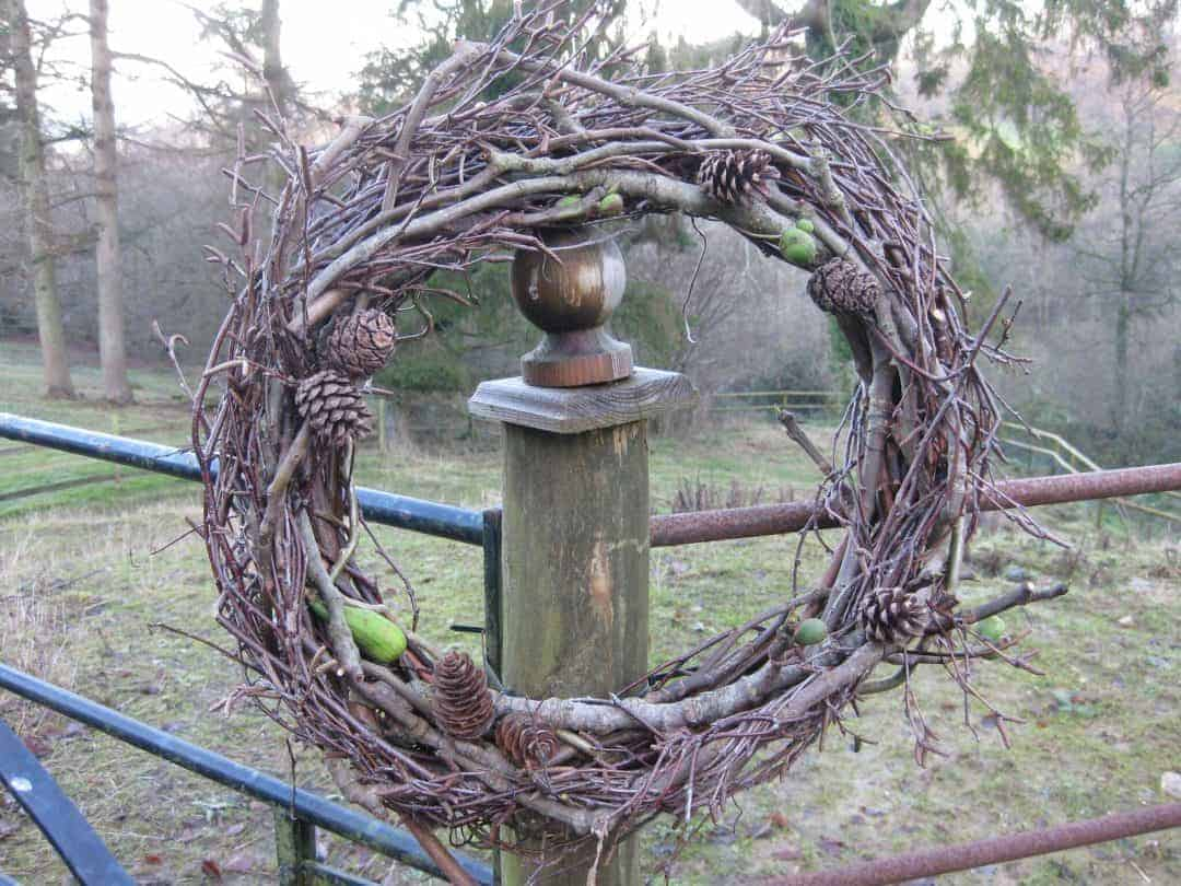 How To Make Willow Christmas Decorations From Britain