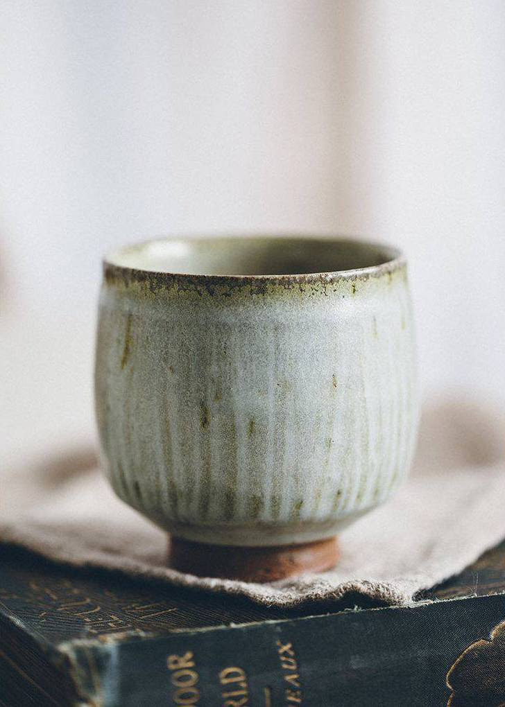 love this beautiful handmade natural textural ceramic bowl or tea cup from The Future Kept. Just one of the lovely eco friendly and handmade gift ideas from beautiful online shop The Future Kept by Jeska Hearne of Lobster and Swan. Click through to discover Jeska's local loves in Hastings as well as more beautiful ideas from her shop