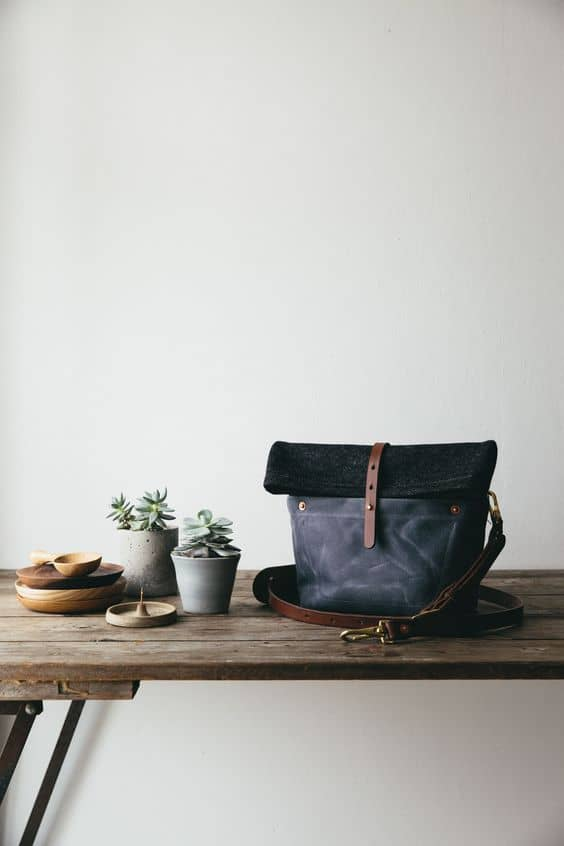love this Roam camera bag specially made for The Future Kept by Rural Kind, hand crafting beautiful bags to last a lifetime in Wales. click through to discover more hand-picked loveliness in The Future Kept online shop as well as founder, Jeska Hearne's, local Hastings loves and simple pleasures