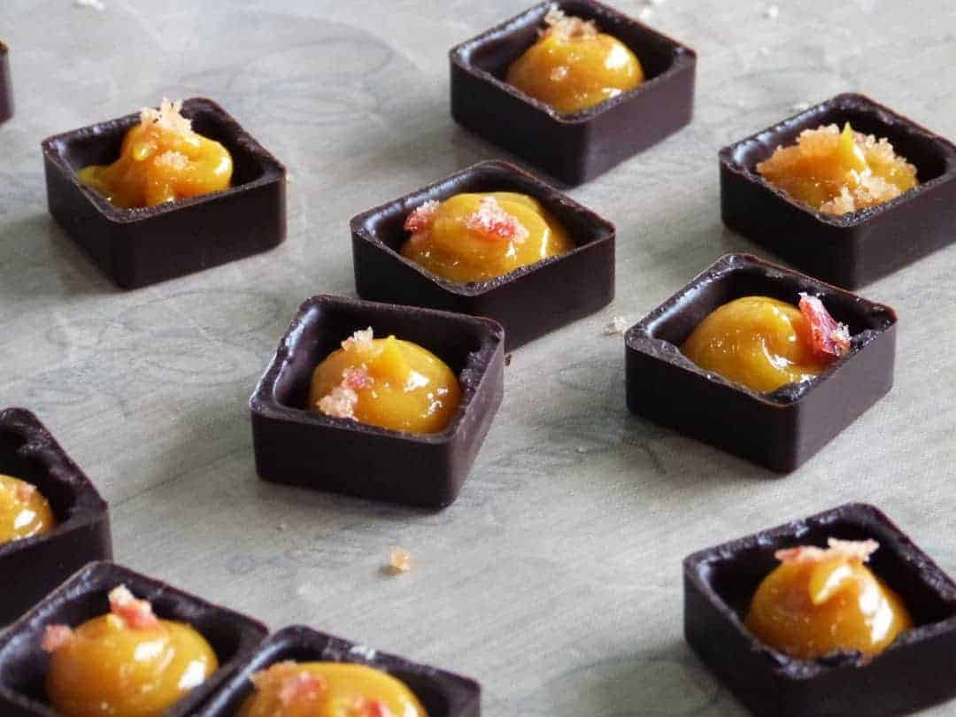 how to make mango chilli chocolates