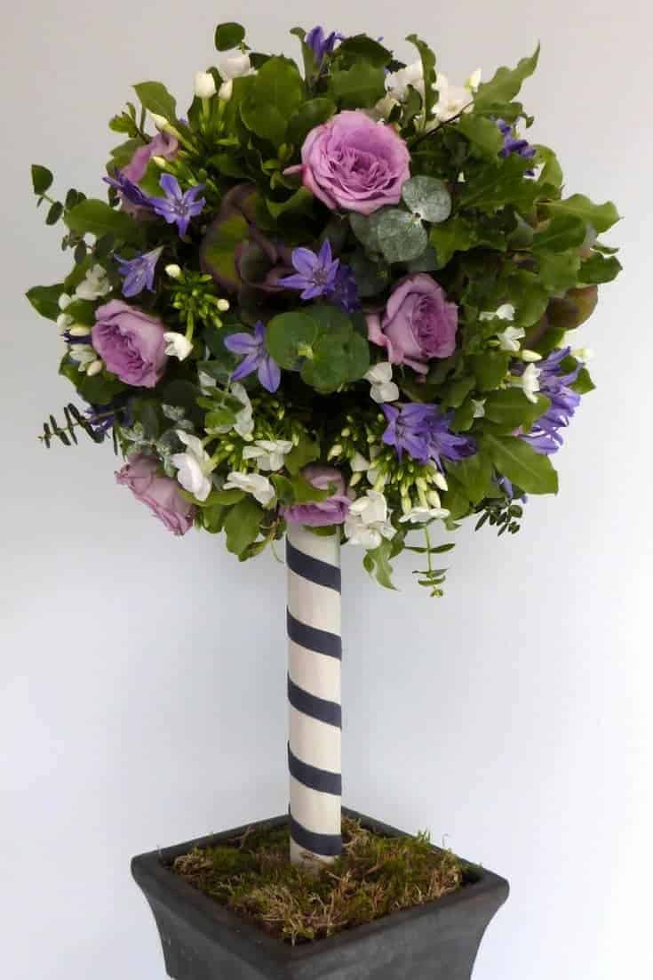 how to make a topiary tree with fresh flowers. Click through for easy step by steps with Sussex Flower School