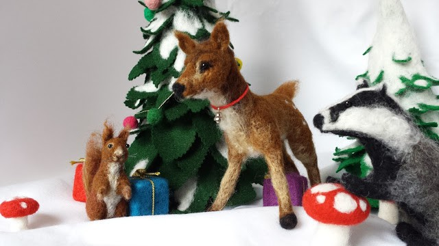 love this felt christmas deer christmas decoration