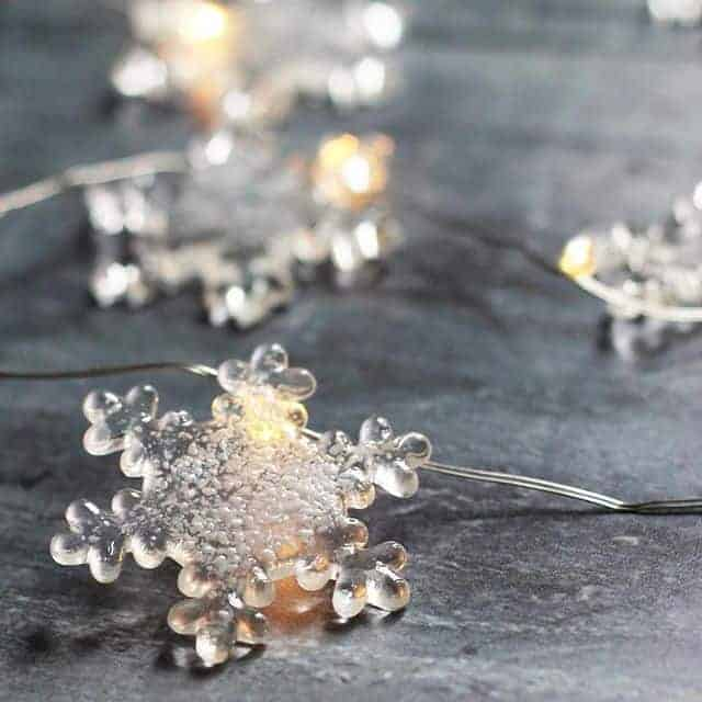 love these frosted glass snowflake christmas holiday decorations fairy lights