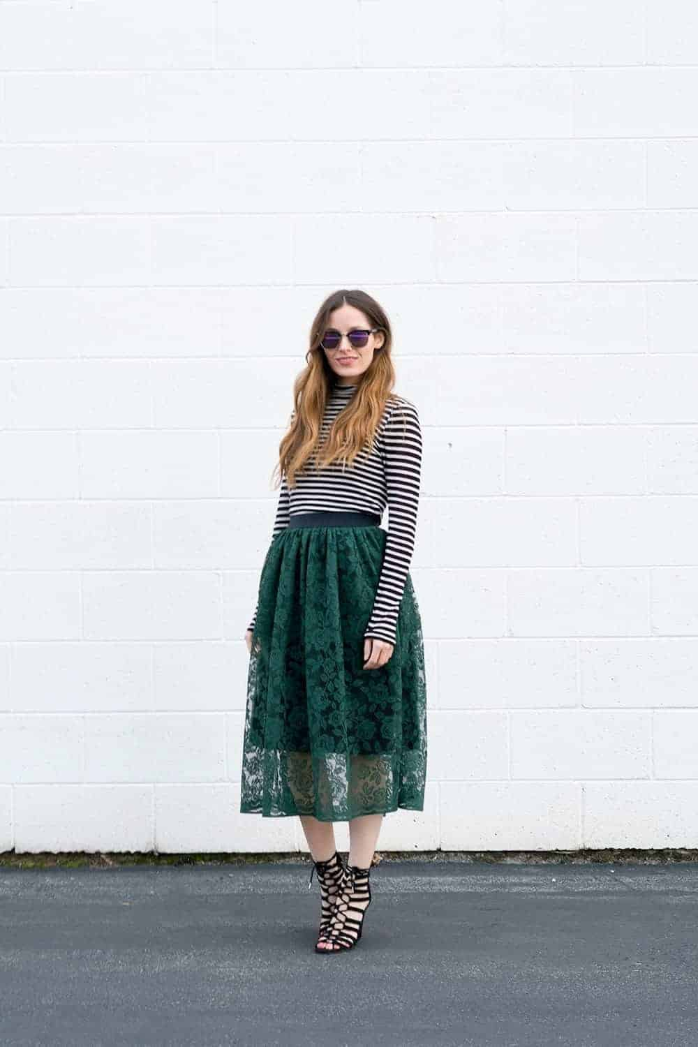 love this green lace skirt step by step sewing pattern tutorial by cotton and curls.Click through for easy to follow steps and video tutorial to make one yourself. as well as other great ideas for skirts to sew in minutes