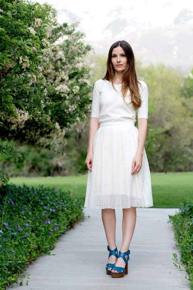 love this modern pleated white lace skirt step by step sewing pattern tutorial by cotton and curls.Click through for easy to follow steps and video tutorial to make one yourself. as well as other great ideas for skirts to sew in minutes