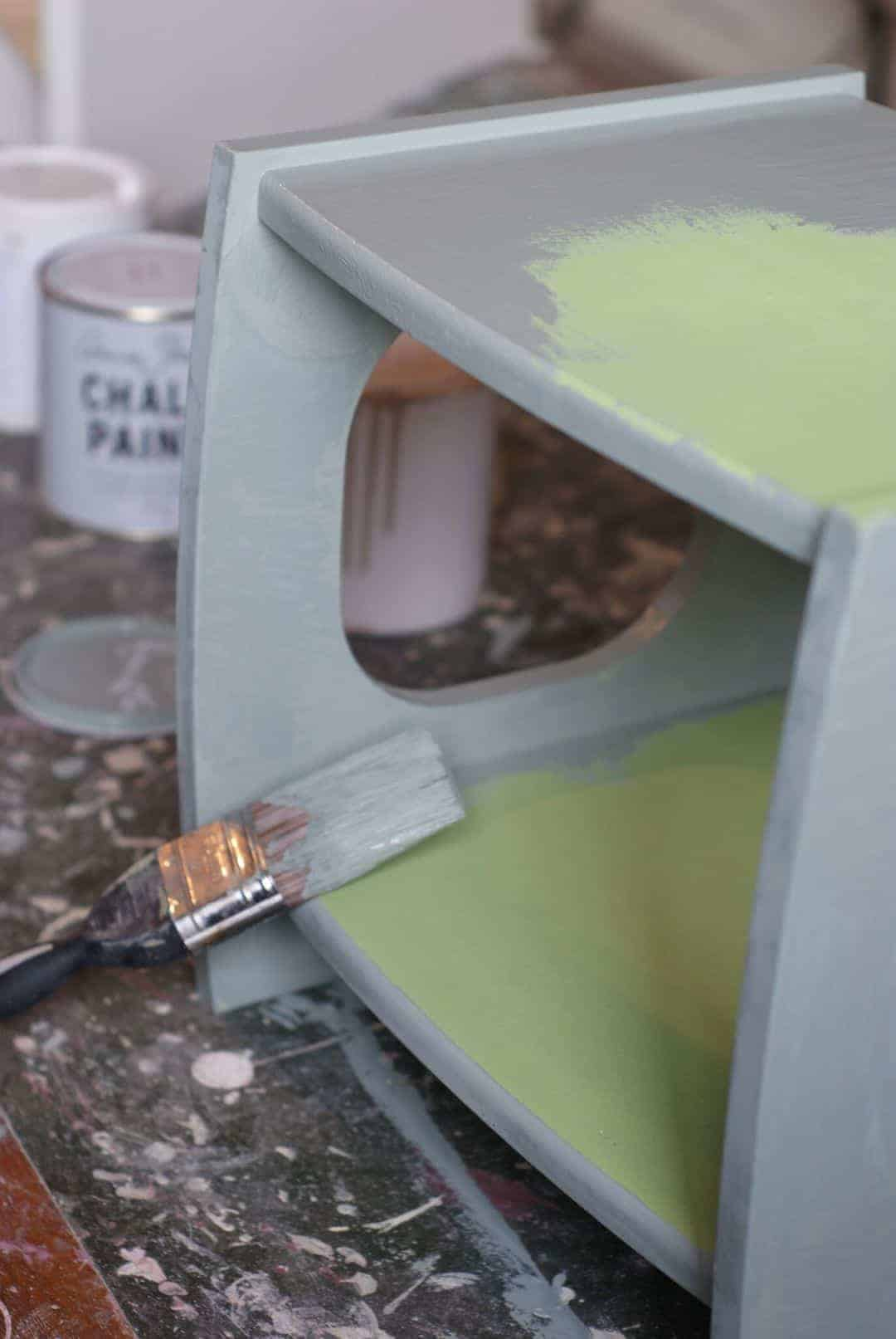 How to paint and distress furniture with Katie Bonas and Annie Sloan paints