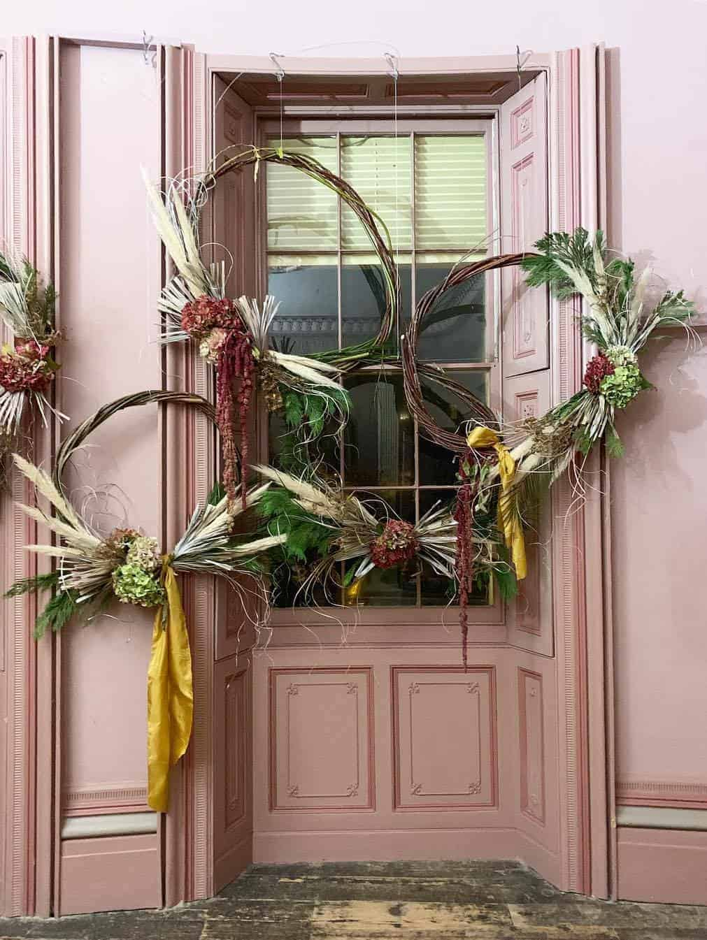 love these autumn wreaths with hydrangea pampas grass and willow by kate langdale florist brighton. click through for loads more creative autumn flower ideas you'll love