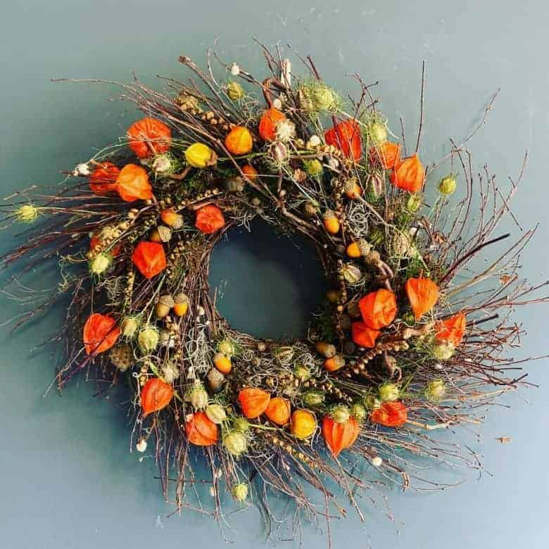 autumn wreath arrangement idea #autumn #wreath #chineselantern #natural