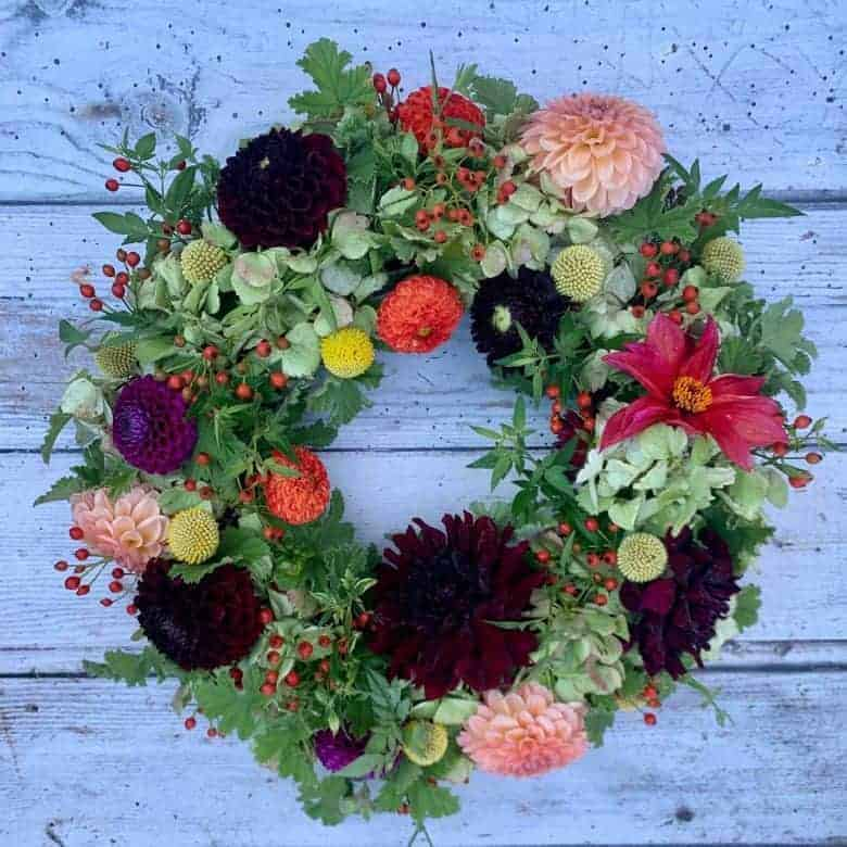 autumn flowers wreath making workshop #autumn #flowes #wreath #workshop #frombritainwithlove #britishflowers