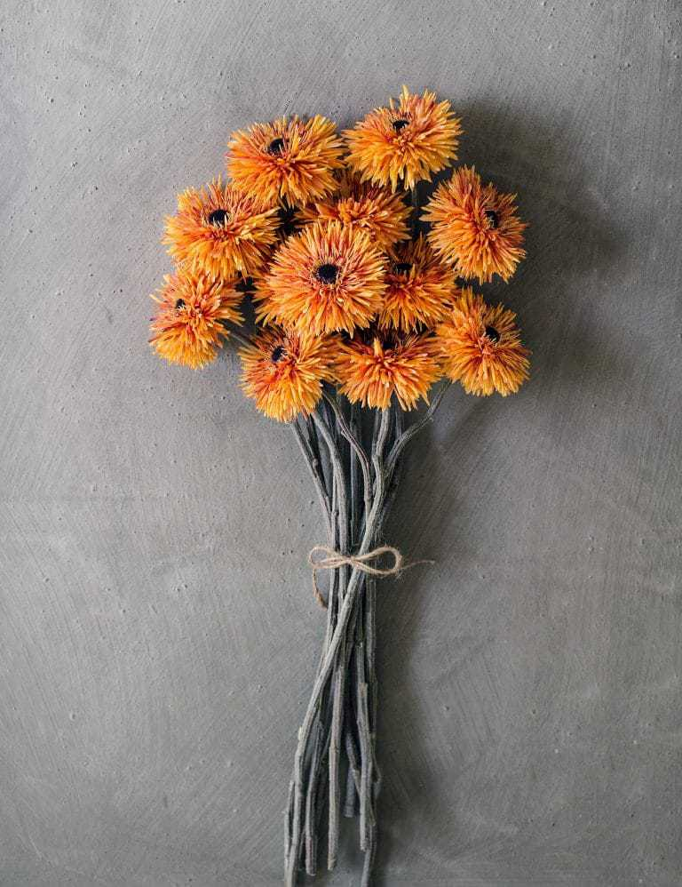 love this bunch of faux orange zinnia flowers by philippa craddock. Click through for beautiful autumn flower ideas you'll love to make