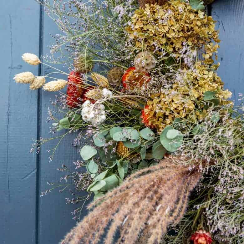 dried flower autumn wreath by the real flower company #autumn #wreath #driedflowers #frombritainwithlove