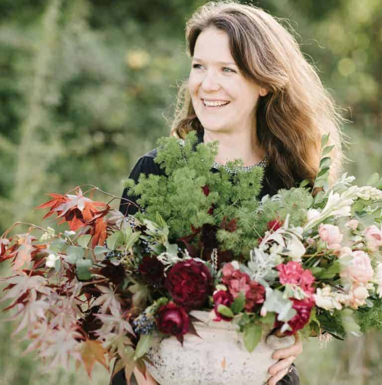 love the british flowers created by florist Sarah Diligent of Florbunda Rose. Click through for utterly beautiful seasonal autumn flower arrangement ideas you'll love to make