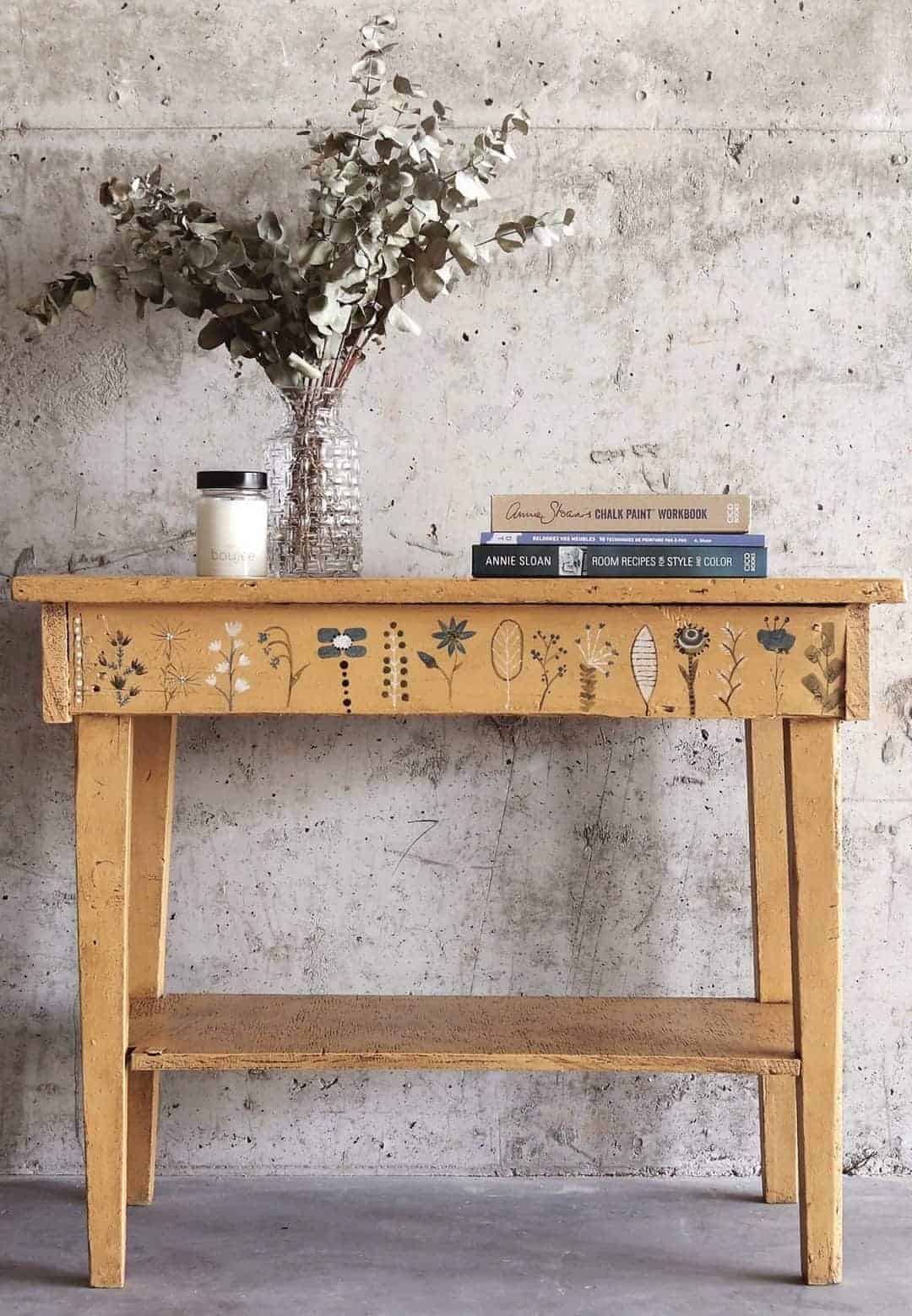 love this annie sloan chalk paint rustic painted console table with decorative stencilling. Click through to see more inspirational creative painted furniture ideas and DIY tutorial projects you'll love to try