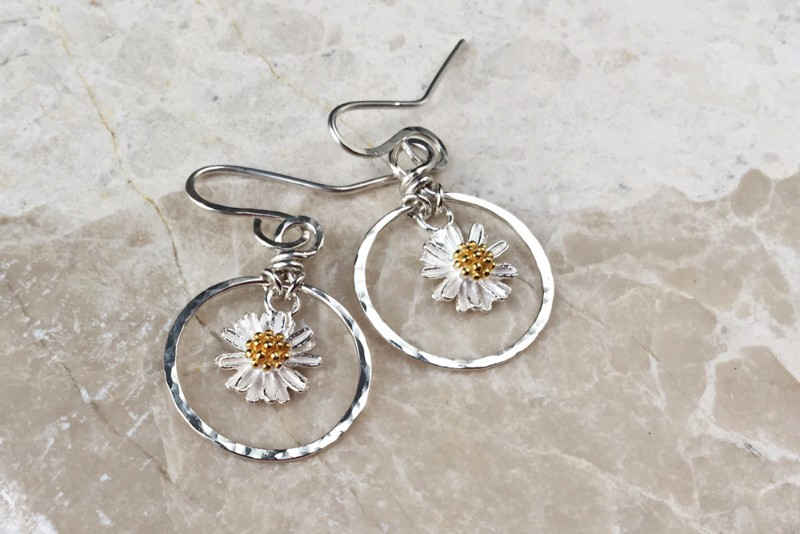 daisy-hoops-front-brighter-1000