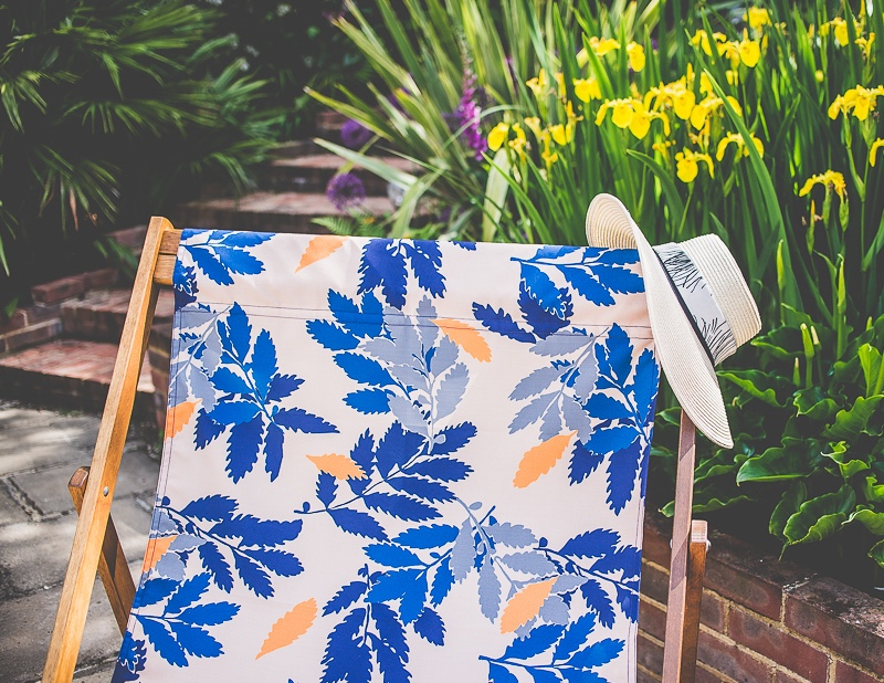 Extra-Large-DEckchair-in-Leaf-Denys-Fielding