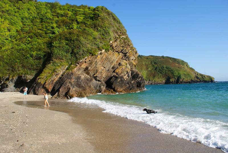 love Lantic Bay in Cornwall golden sandy beach with blue green sea. Click through to discover the special places and local finds we share because we think you'll love them too