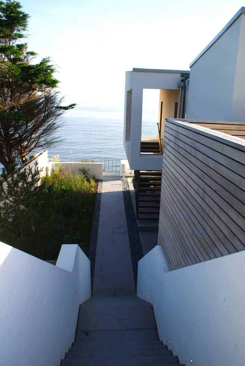 the perfect minimal outside staircase at this stunning beach house by the sea in Cornwall