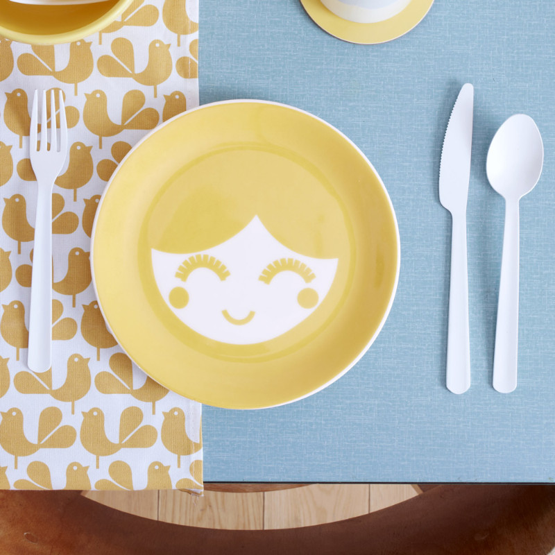 web-crop-Yellowtableware3
