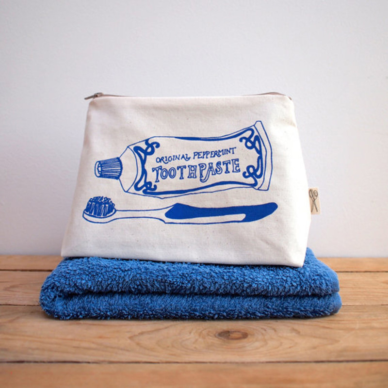 z-washbag-blue-web