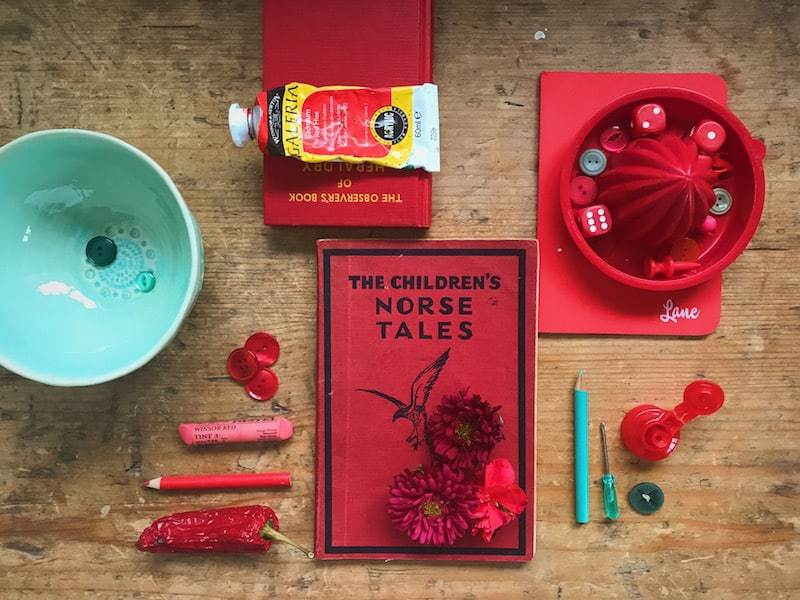 5ftinf red and turquoise tabletop flat lay -click through to learn the tricks of the trade with Philippa Stanton - aka 5ftinf - on her inspirational Consciously Creative course