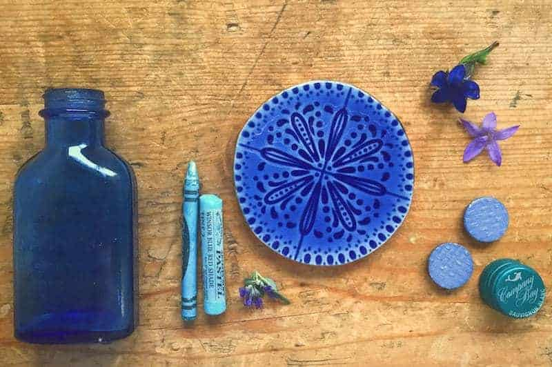 5ftinf blue flatlay step one before adding orange objects to create contrast and interest. Click through for more images