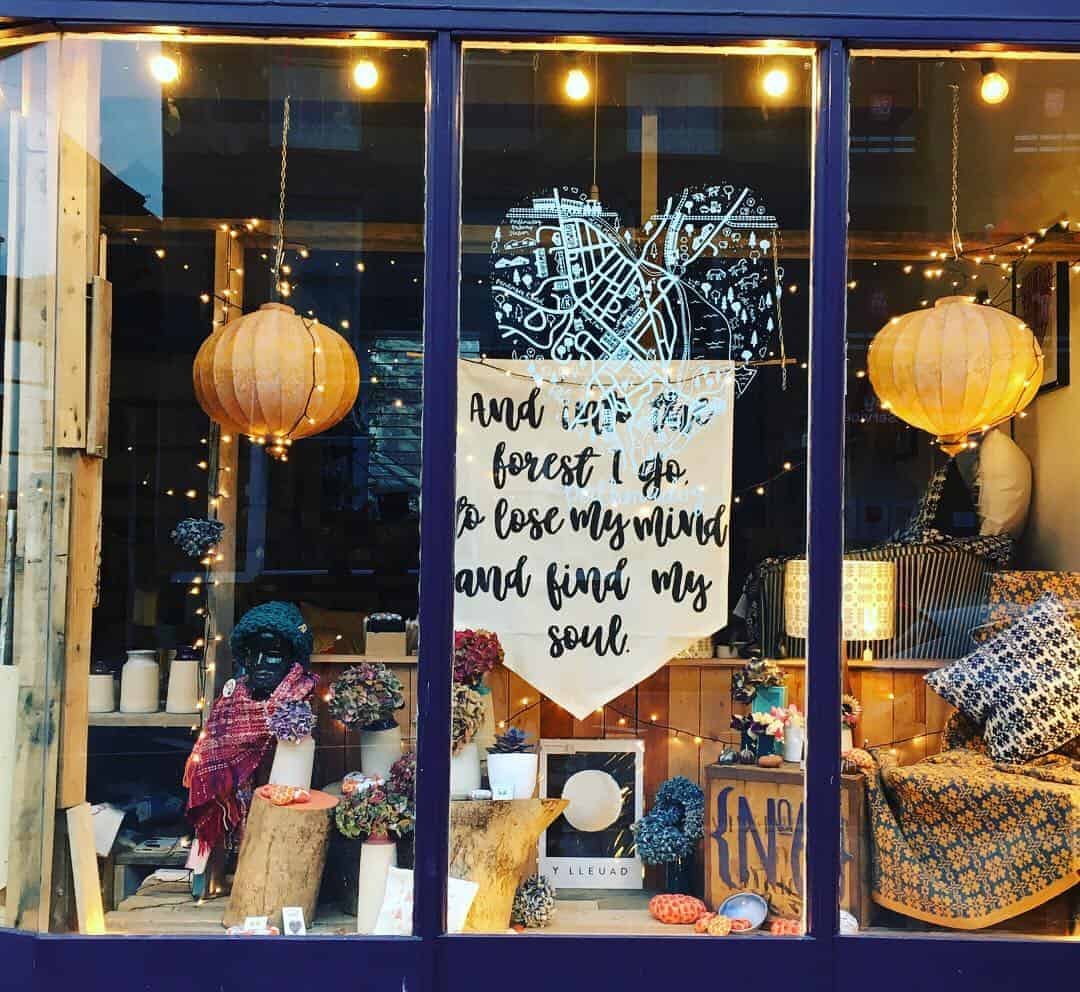 discover lifestyle and pottery store Glosters in Porthmadog, one of slow lifestyle blogger and coach Kayte Ferris' favourite local finds. Click through to discover more
