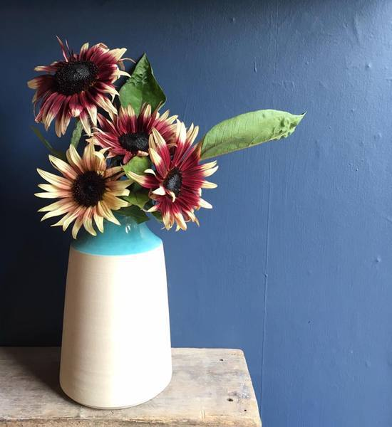 love the turquoise of this handmade ceramic vase by Glosters pottery in north wales. Click through to discover more about Glosters and other great local finds by Kayte of Simple and Season - blogger and creative coach slow living in Snowdonia