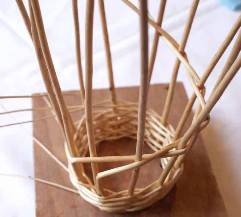 How to make a willow angel - click through for easy step by steps with Judith Needham
