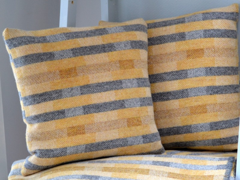 Scandi-style-1-throw-and-cushion