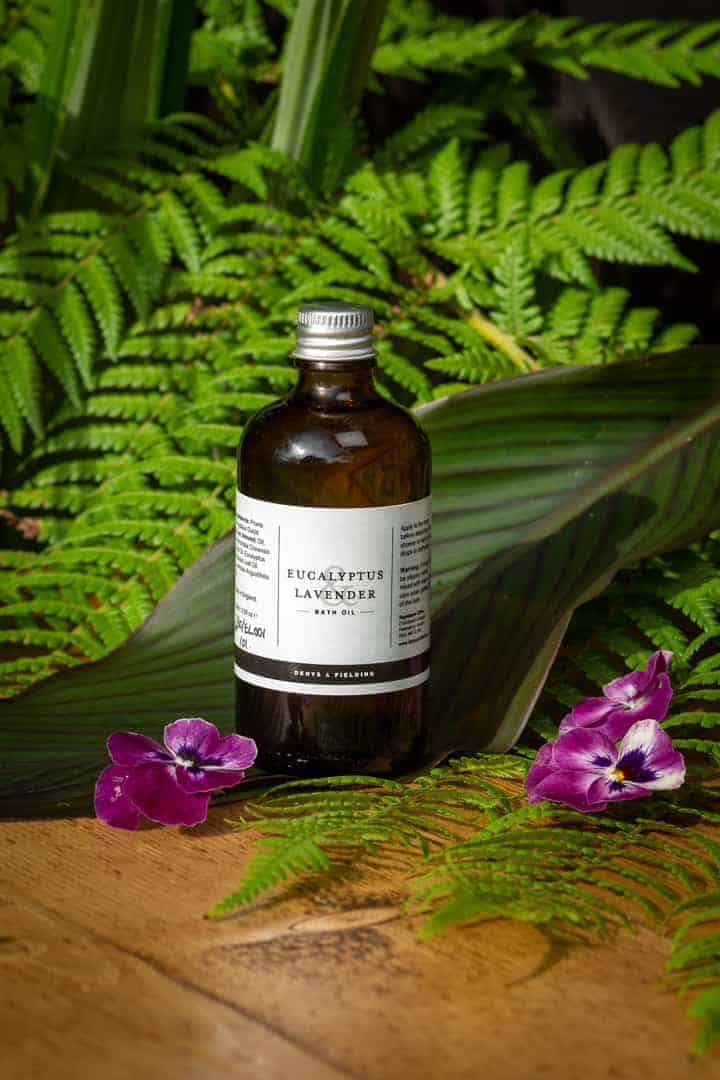 love this handmade natural bath oil for gardeners by denys and fielding. Click through to see more handmade gifts for gardeners as chosen by GQT panellist Pippa Greenwood #giftsforgardners #handmade #gifts #gardeners #frombritainwithlove #naturalskincare