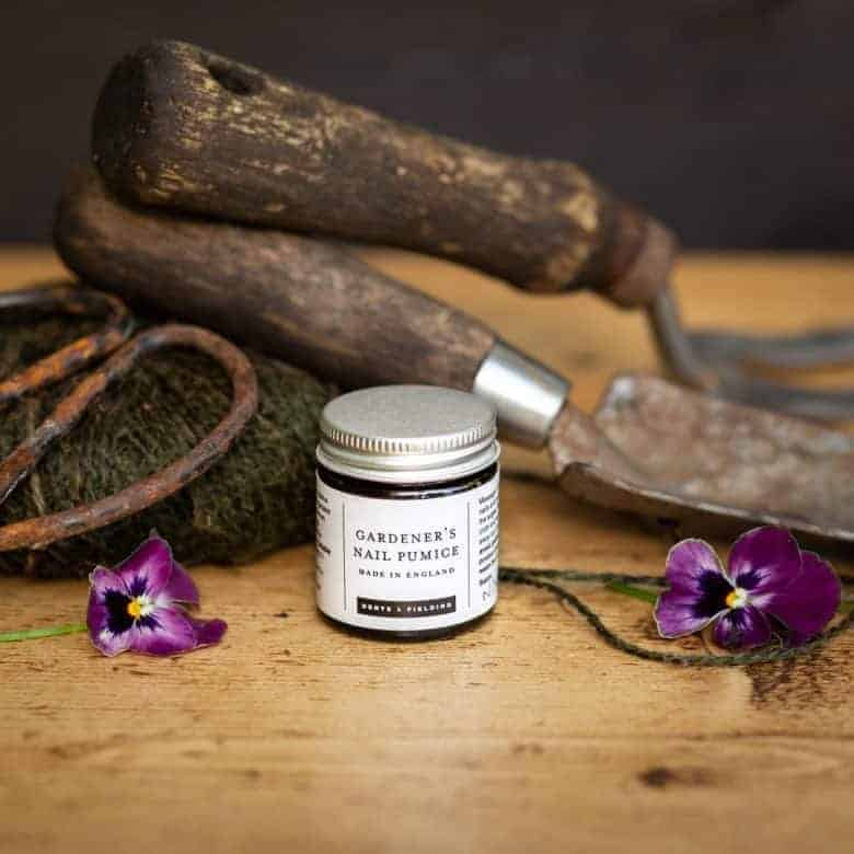 love this gardener's nail pumice for gardeners by denys and fielding. Click through to see more handmade gifts for gardeners as chosen by GQT panellist Pippa Greenwood #giftsforgardners #handmade #gifts #gardeners #frombritainwithlove #naturalskincare