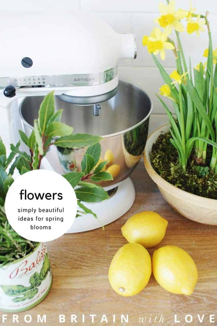 spring flowers - simple ideas for spring flower arrangements using yellows and whites - from daffodils and narcissi to hyancinths in pure white and soft blue. Click through to discover creative ideas you'll love