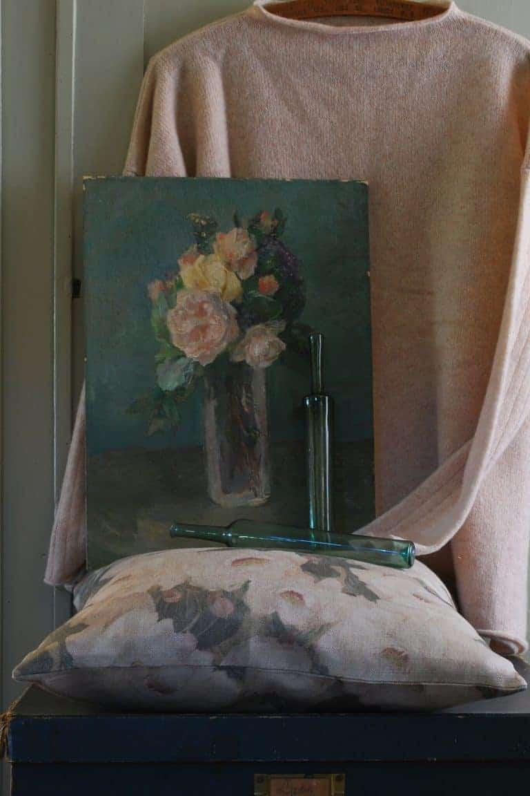 love this vintage floral oil painting from Rosebud and Violet. Click through to discover other vintage and handmade finds you'll love