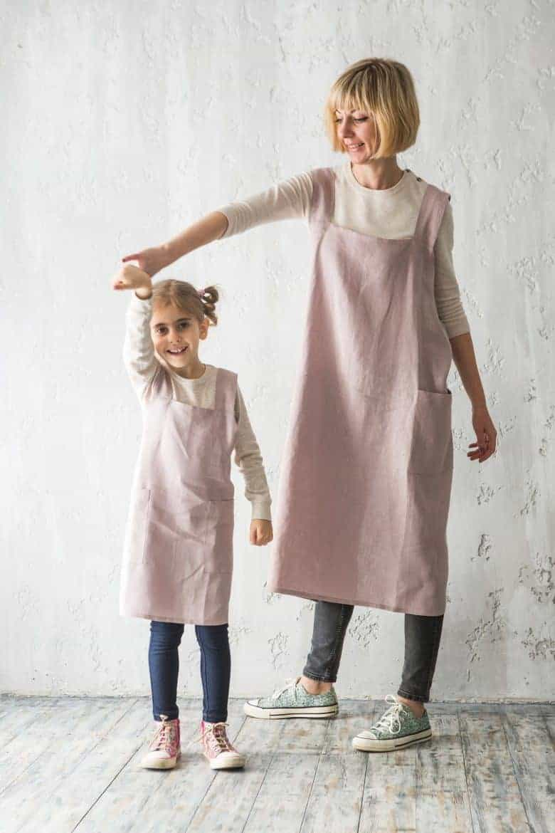 handmade mother daughter cross back apron linen pinafore japanese apron #artisan #apron #crossback #motherdaughter #frombritainwithlove