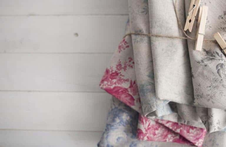 love these faded floral linens by olive + daisy. Click through for more faded floral fabrics you'll love