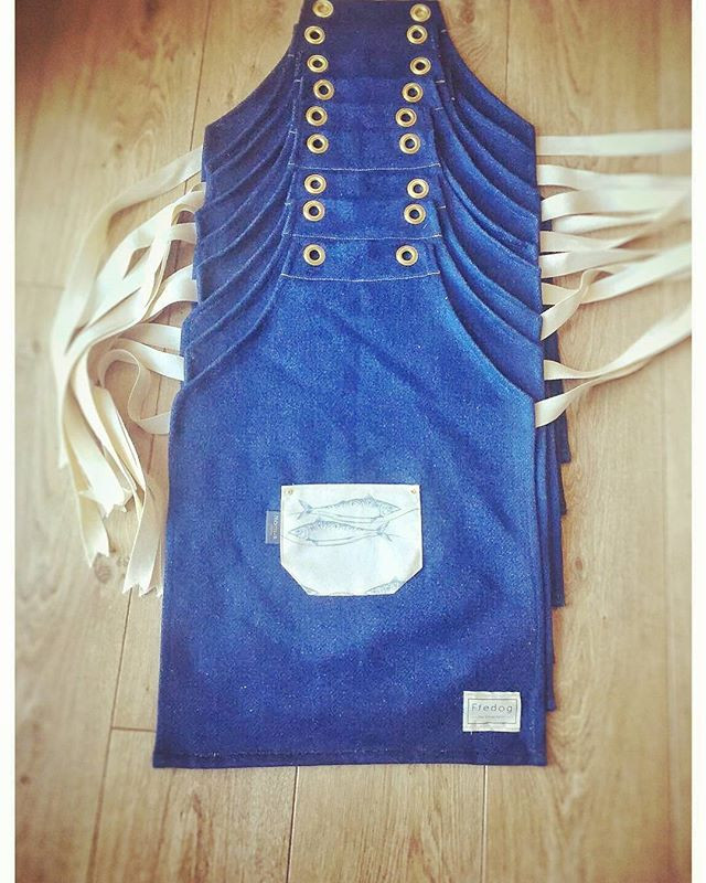 Oh-wow-just-look-at-our-gorgeous-Mini-Madog-aprons-on-their-way-from-_ffedogaprons-all-ready-for-the-Portmeirion-Food
