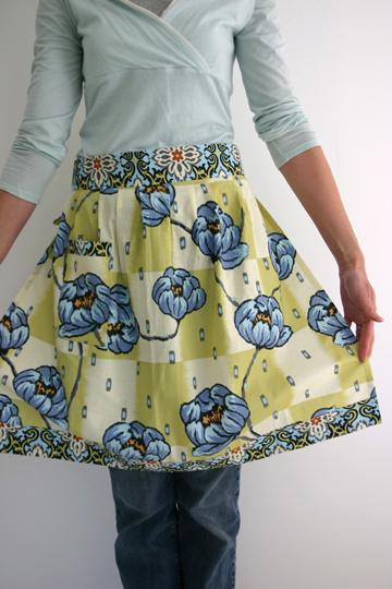 love this simple skirt in lotus fabric by Amy Butler.. Click through for more skirt making ideas you'll love