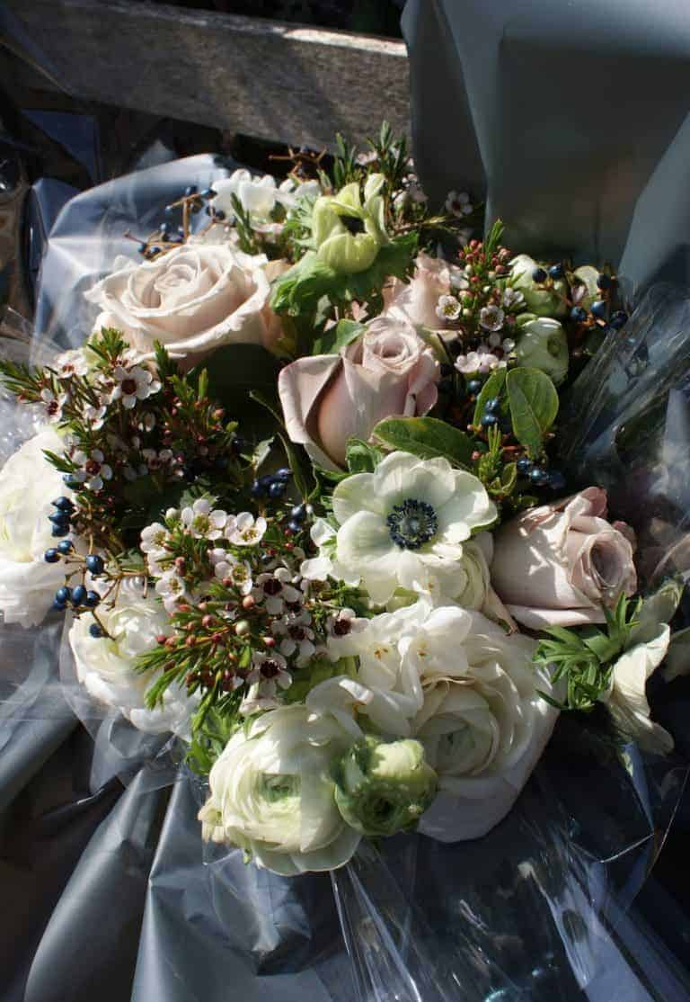 how to make a hand tied flower bouquet