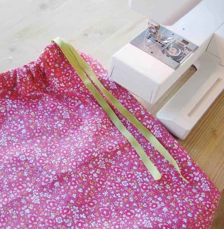 how to sew a simple cotton skirt with ribbon tied waist. Click through for pretty and easy ideas you'll love