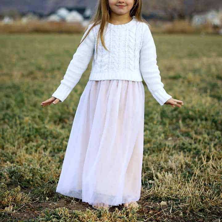 love this simple tulle skirt. click through to find out how to make it