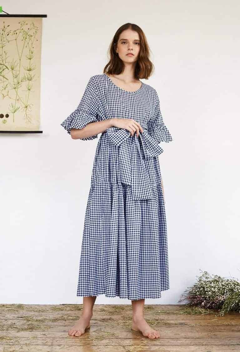 love this blue gingham summer dress by Justine Tabak. Click through for more summer dress ideas you'll love