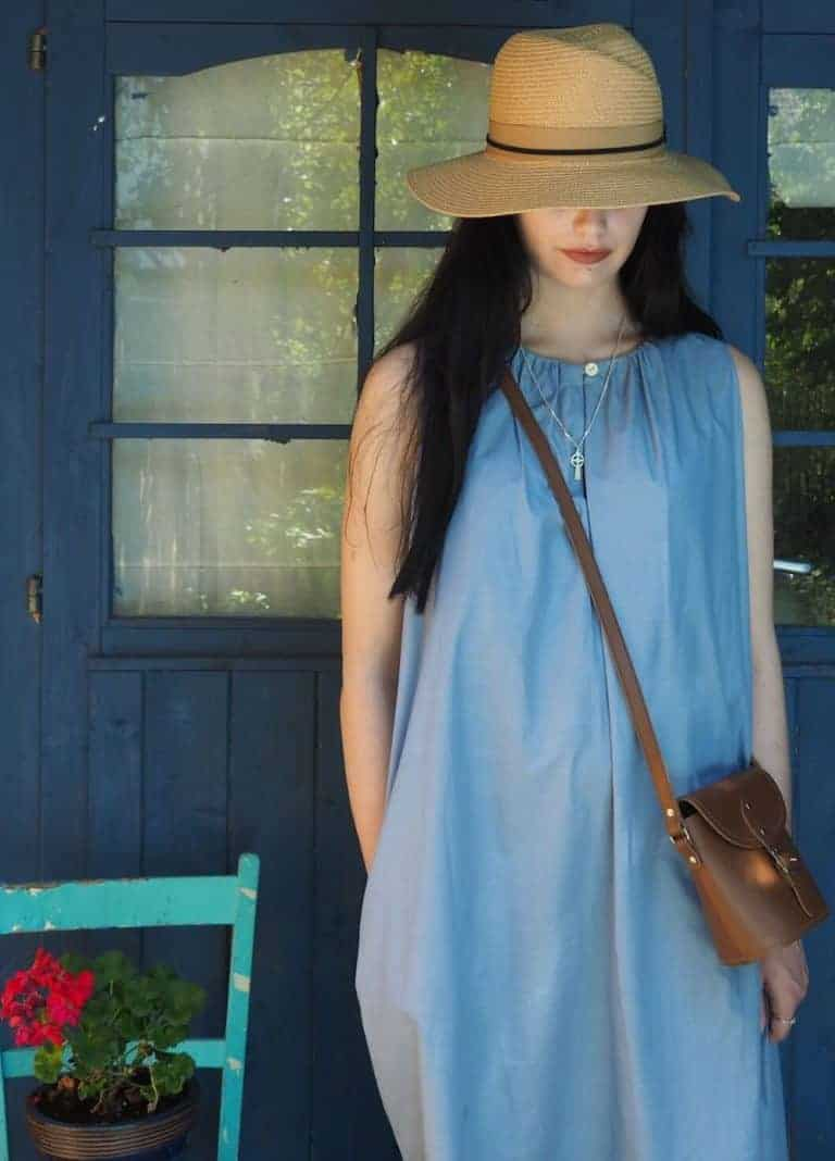 love this simple blue cotton summer dress by Under the Cloth. Click through for more summer dress ideas you'll love