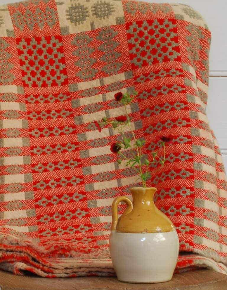 love this red vintage welsh blanket. Click through for more welsh blanket ideas you'll love