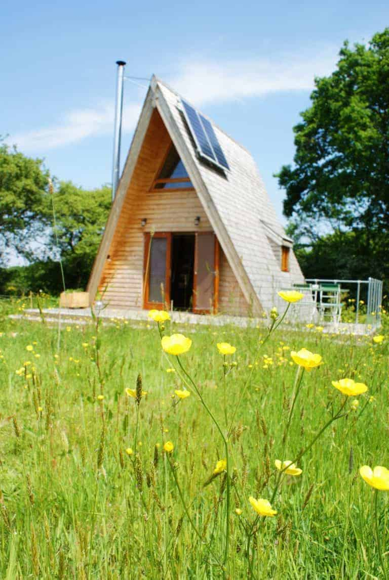 love this Silva eco tiny home on the Isle of Wight. Click through for more beautiful images you'll love