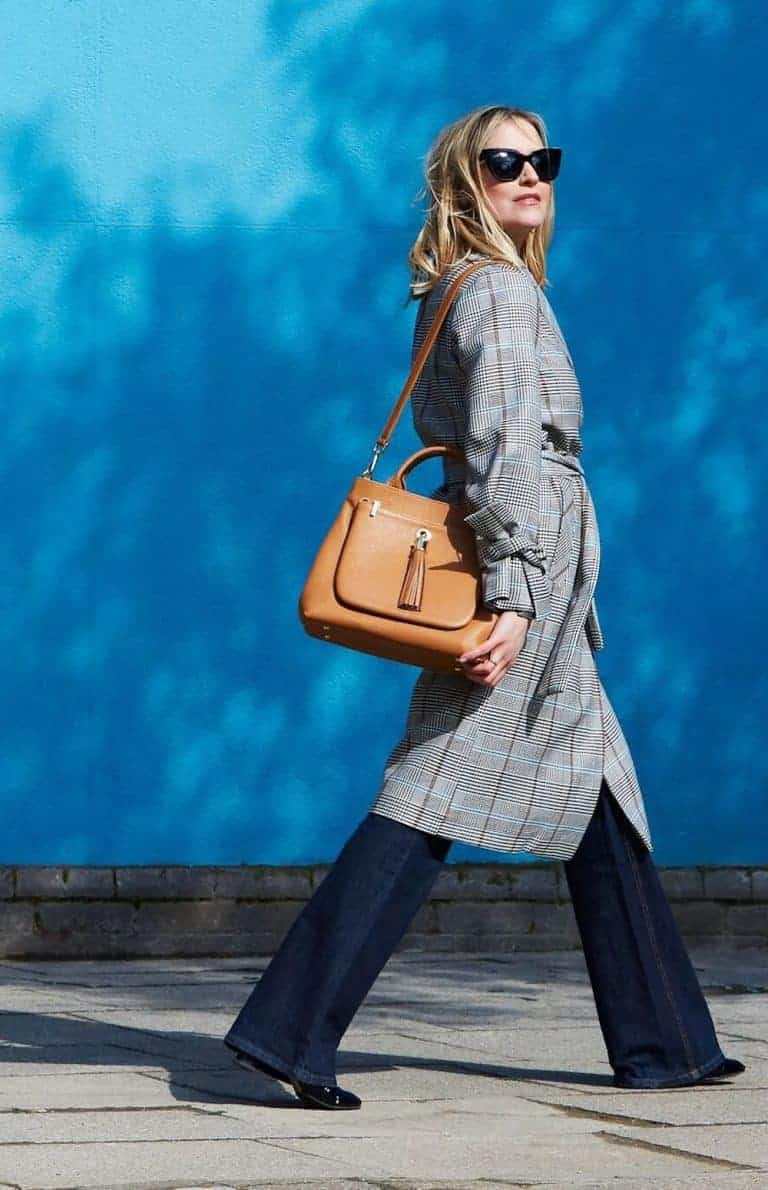 sarah haran dahlia tote bag in tan leather handmade in Britain with tassel and shoulder strap using eco conscious ethical leather. Click through for more perfect page ideas you'll love