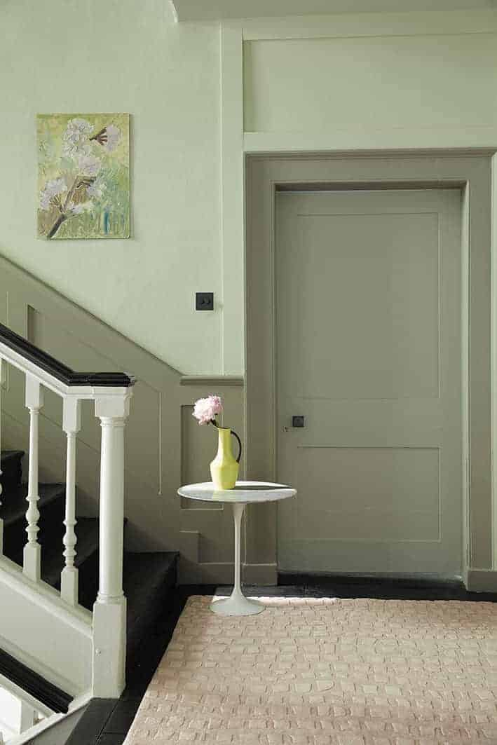 love these green paint colours for hallways - pale soft green for the upper wall and deeper grey green for dado, archetrave and doorway. Click through for more green paint colours for hallways you'll love