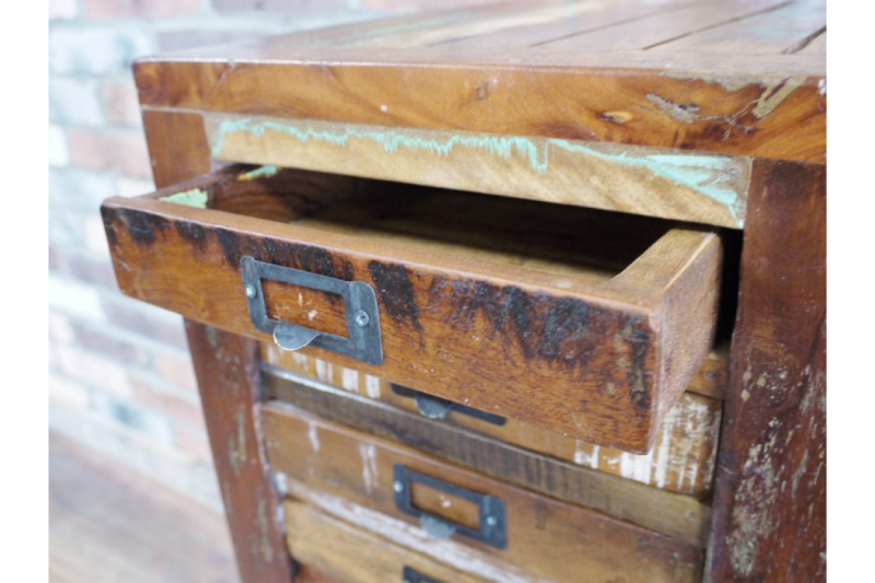 quirk-hub-reclaimed-drawers