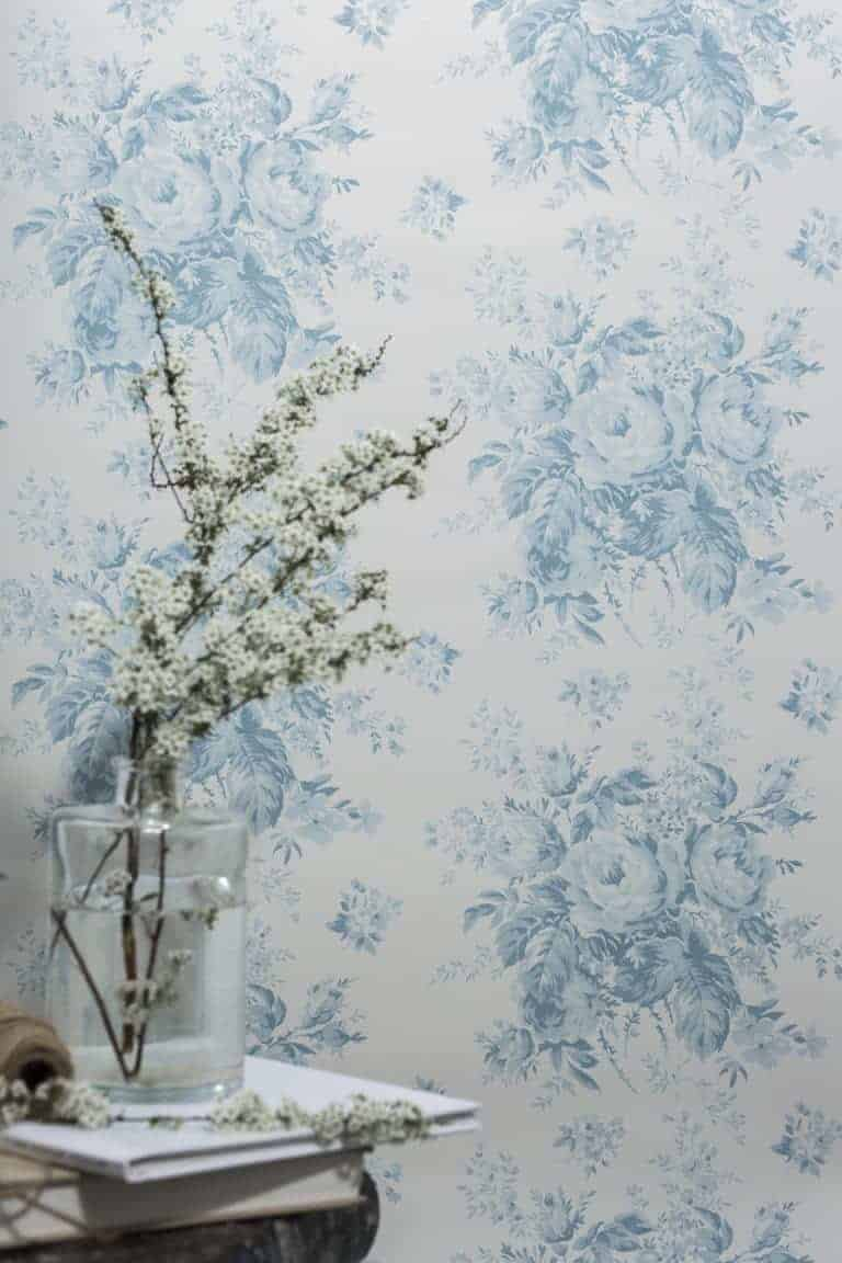 love this pretty turquoise blue and white roses floral flower wallpaper by Olive + Daisy, perfect for a pretty bedroom or rustic country cottage living room