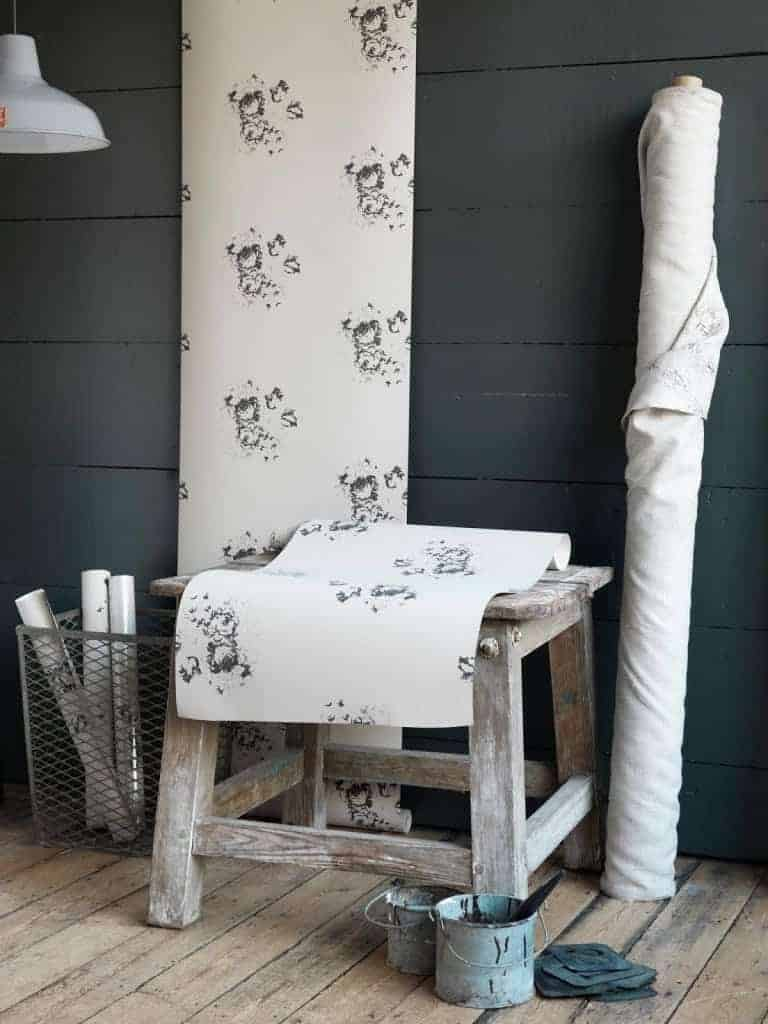 love this grey black and natural Hatley floral wallpaper cabbages and roses. Would work brilliantly on a feature wall in a bedroom or living room or all over for a more modern rustic look. Click through for more wallpaper ideas you'll love