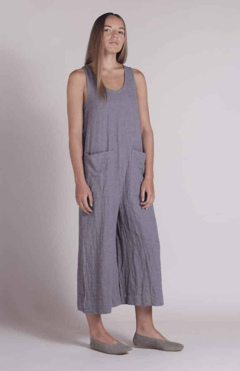 love these handmade shibui grey linen overalls by Nadinoo. Click through to see the whole beautiful Shibuiwear collection - the perfect pieces for Autumn